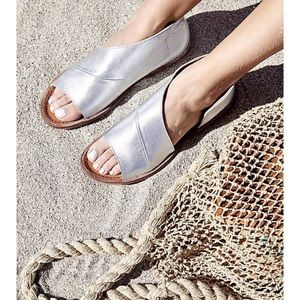 FREE PEOPLE MONT BLANC SANDALS • SILVER
